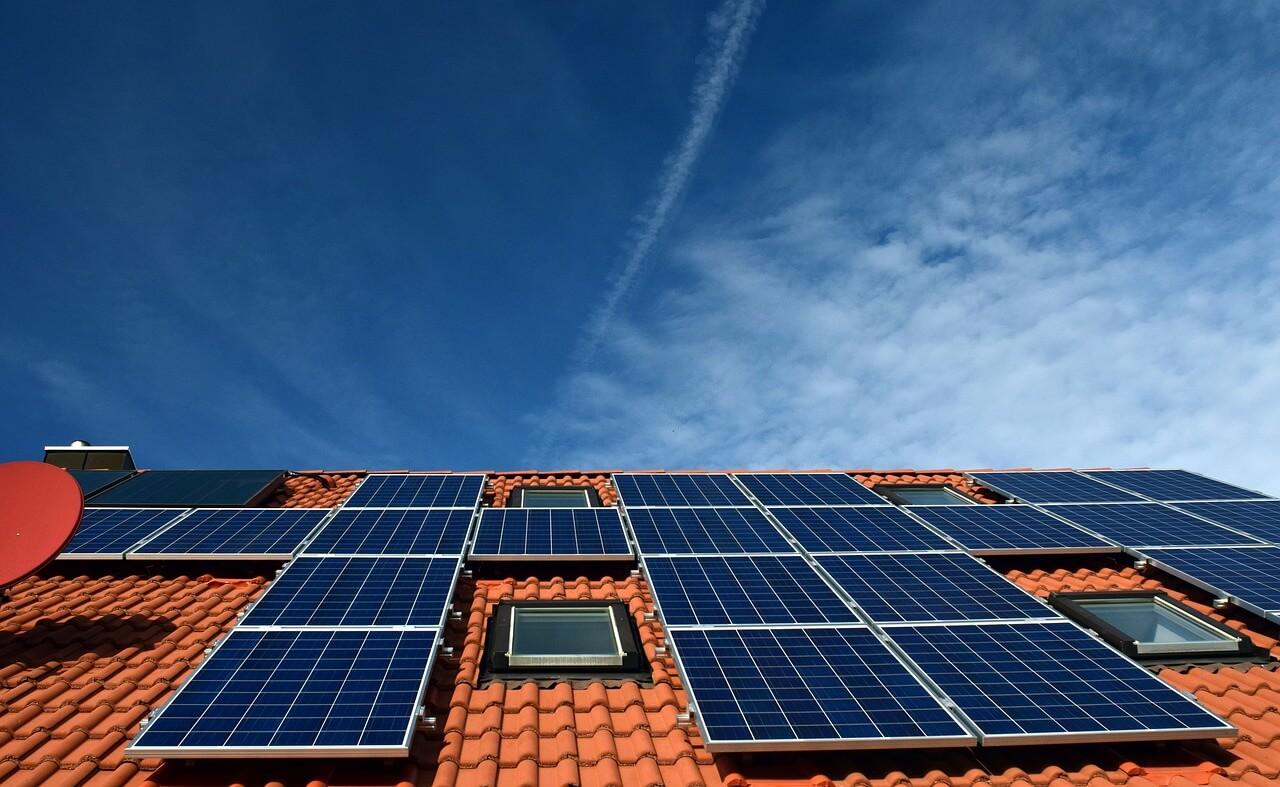 Energioptimering billed på solcelle.