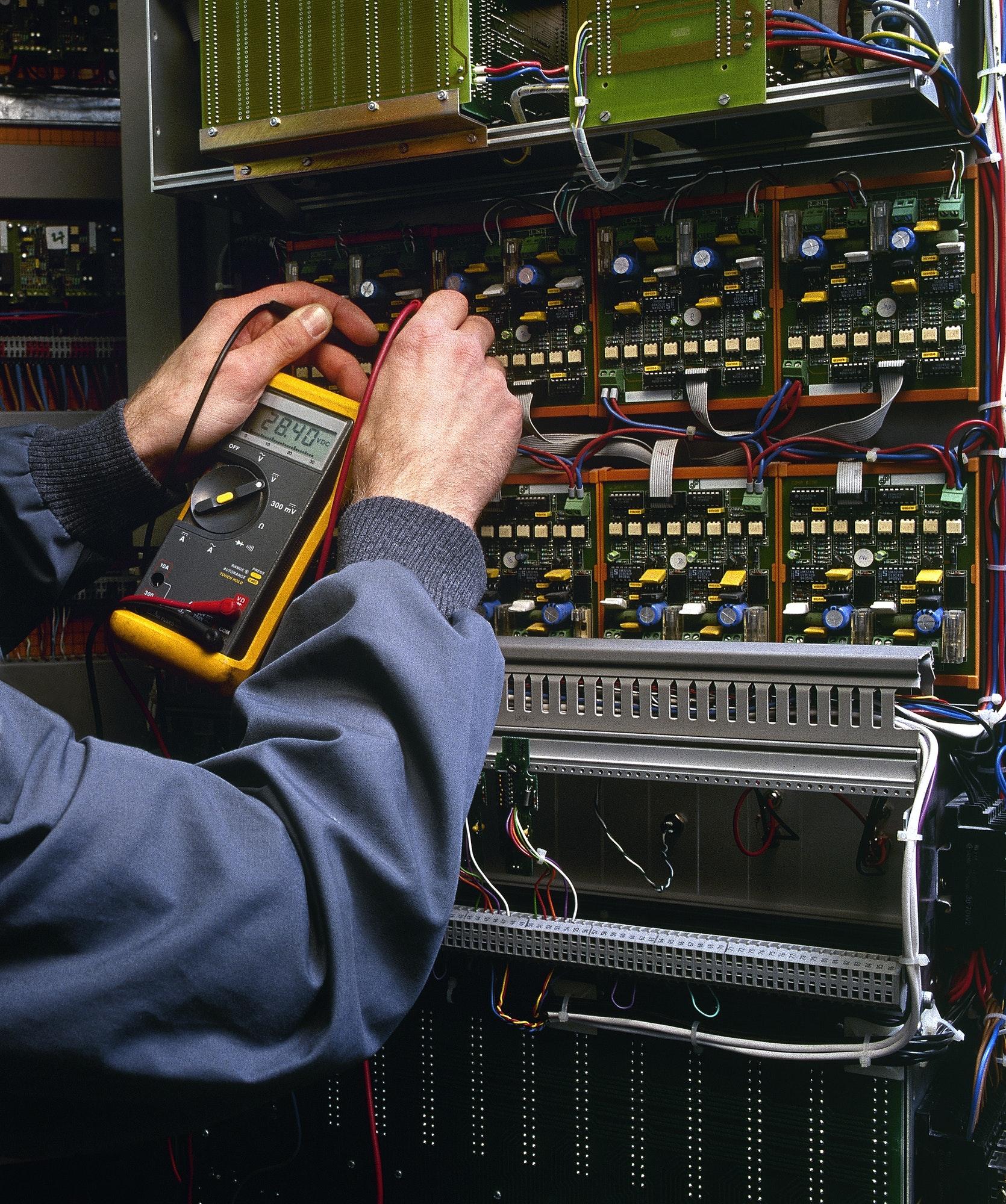 Elektriker i Værløse og i Farum med døgnvagt