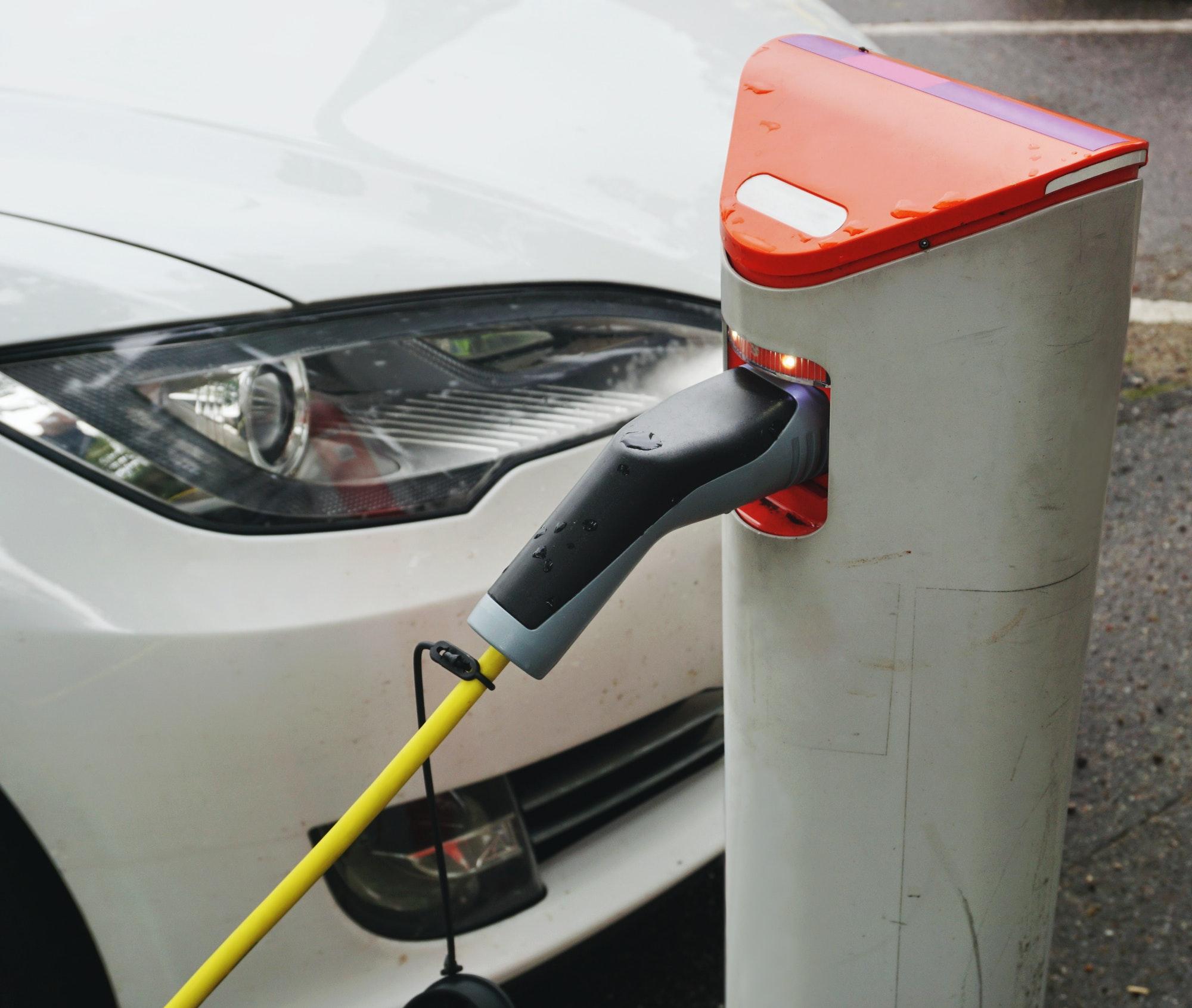Ladestand - ladeboks hjemme til elbil, få professionel montering og rådgivning af vores elinstallatør i København og i Nordsjælland