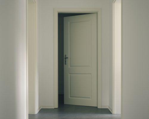 door-3036579_1920