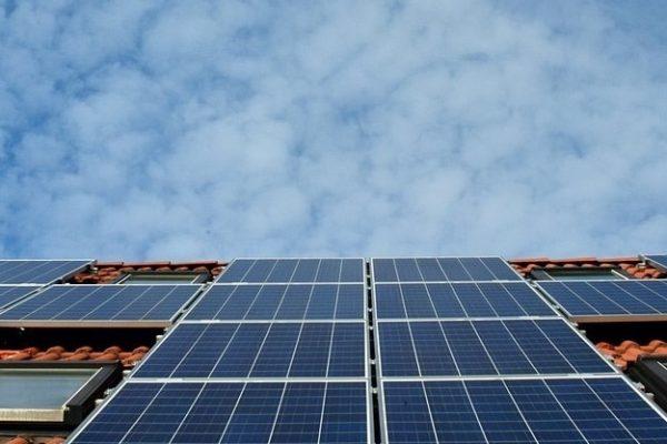 Hvad må du selv af el, solenergi? køleskab? stik?